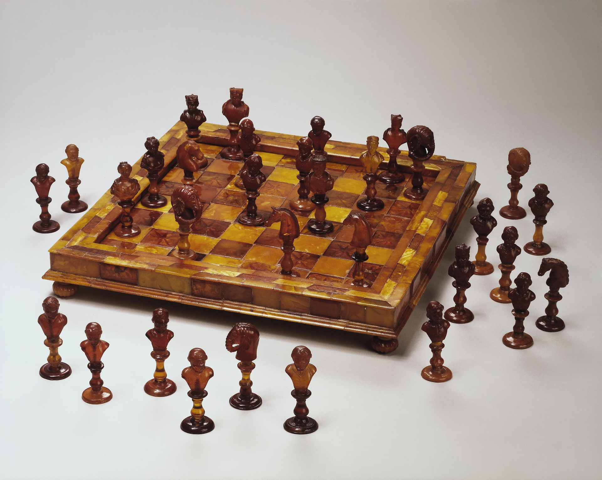 Старинные шахматы