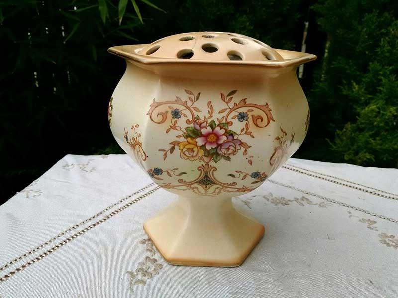 Антикварная ваза