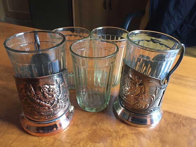 граненый стакан с подставкой